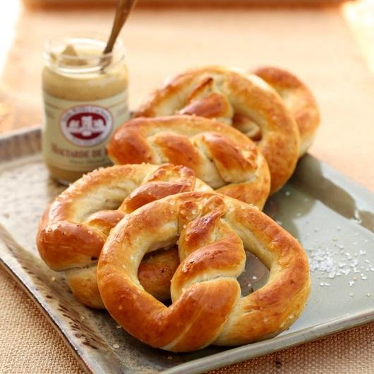 oktoberfest-homemade-pretzels