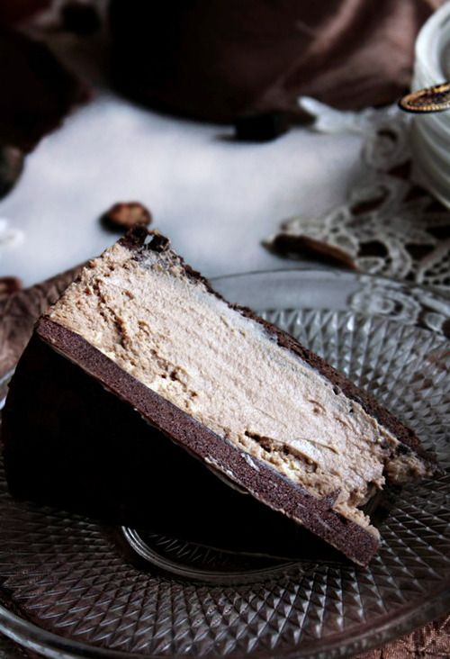 Coffee and Chocolate Creamy Cheesecake by mymankitchen