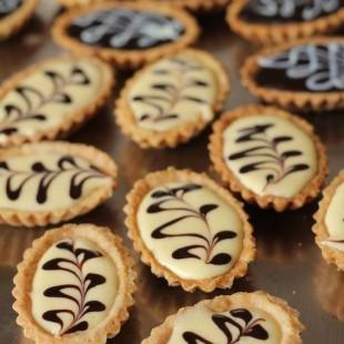 Lemon-Tarts-and-Chocolate-Tarts.jpg