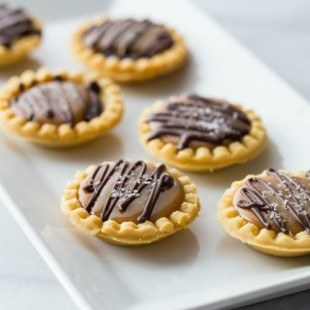 Mini-Salted-Caramel-Chocolate-Pies.jpg