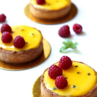 Passion-Fruit-and-Raspberry-Tart.jpg