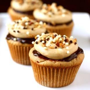 Peanut-Butter-Cupcakes-with-Chocolate-Ganache-and-Peanut-Butter-Buttercream.jpg
