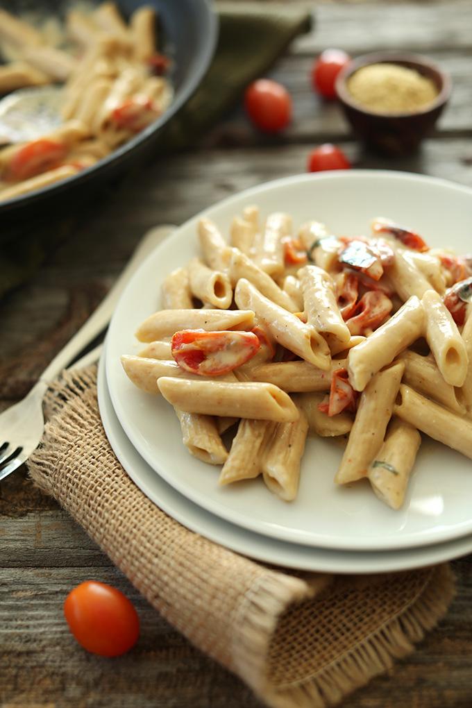 Creamy Vegan Garlic Pasta with Roasted Tomatoes