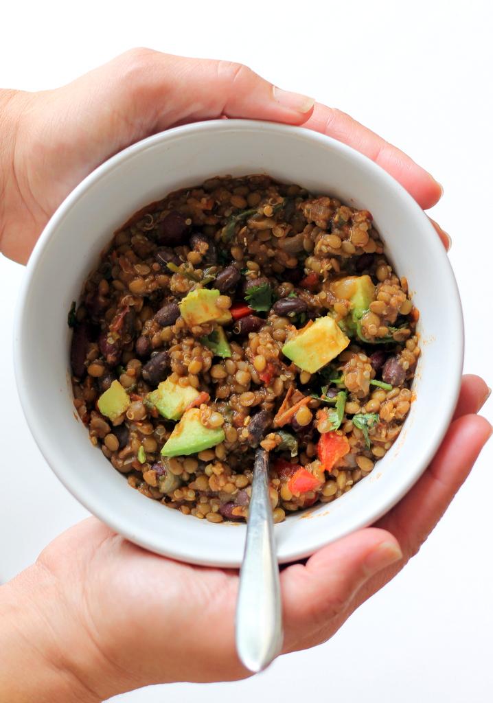 Lentil & Quinoa Chili (vegan & gluten free)