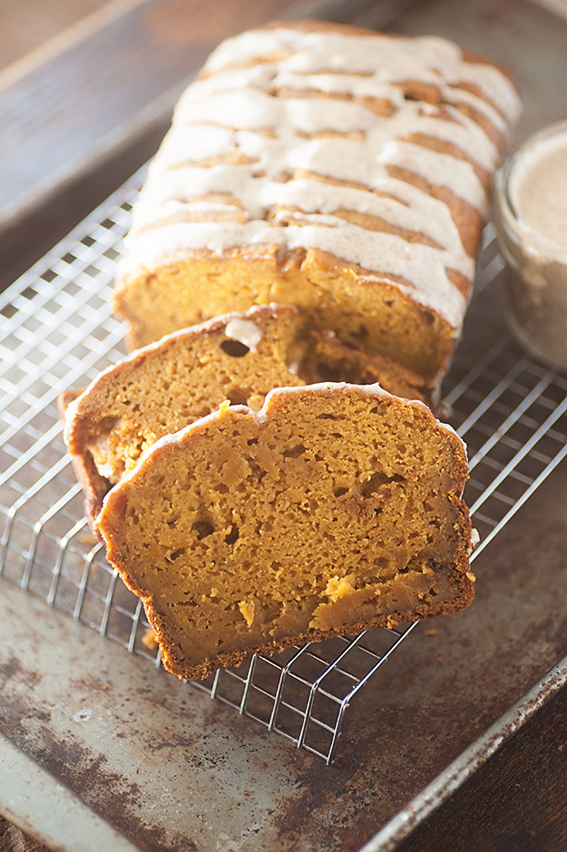 Moist and Fudgy Pumpkin Bread