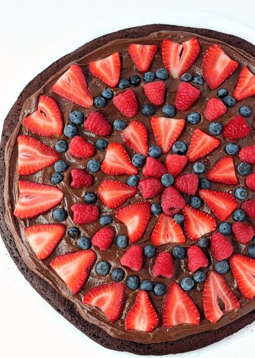 Nutella Brownie Fruit Pizza
